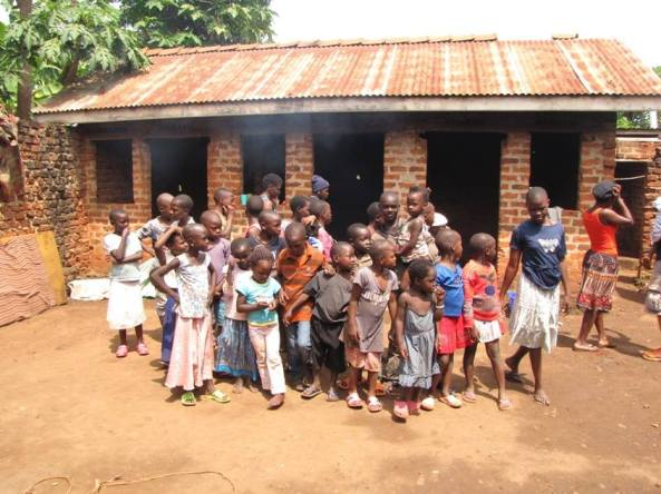 logo-amigos-soliarios-ugan-gente-2