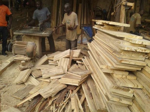 logo-amigos-solidarios-ugan-carpinteros