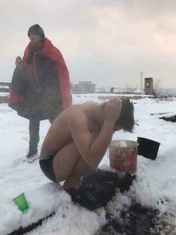 logo-refugiados-frio-2-dutxafria