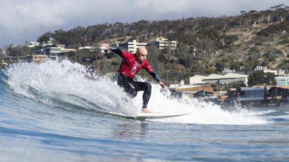 logo aitor frantesesena surfeando